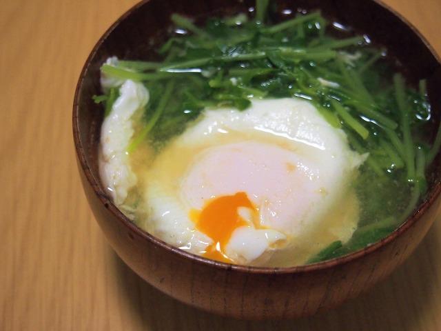豆苗とたまごのお味噌汁
