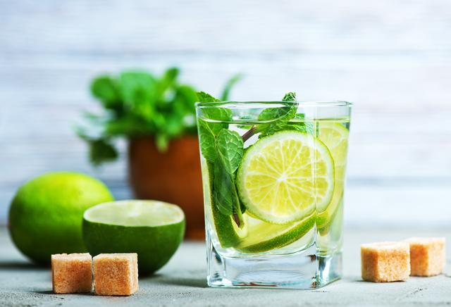 アルコールにカロリーはある?よくある誤解を解説|管理栄養士執筆