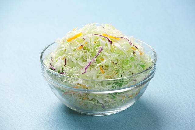一人暮らしにカット野菜は最適!活用レシピも紹介|管理栄養士執筆
