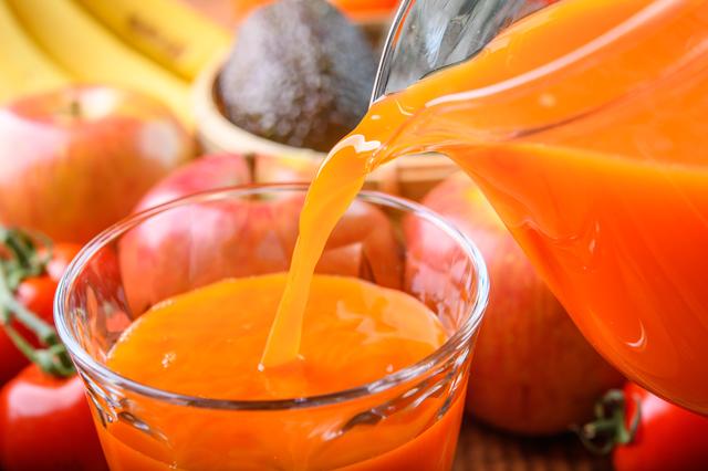 野菜ジュースは野菜の代わりになる?|管理栄養士執筆