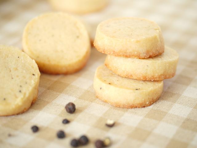 チーズとブラックペッパーのクッキー