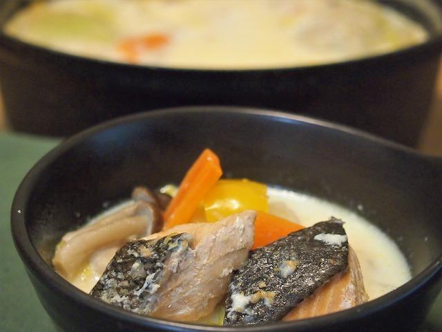 鮭のミルク鍋