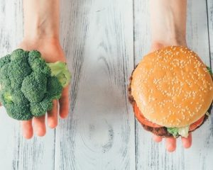 太りやすい食事と太らない食事