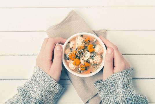 食事に水分たっぷりスープを取り入れてダイエットを続けやすく!