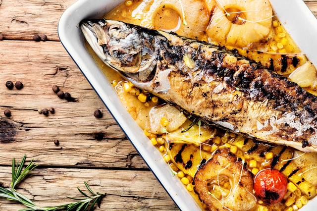 オメガ3を豊富に含む魚と植物油