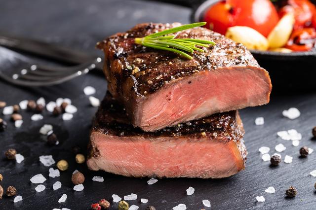 牛肉はたんぱく質源として優秀な食材?|管理栄養士執筆