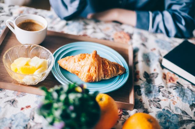 朝食を抜くと太る、は本当?体内時計と生活習慣、肥満の関係