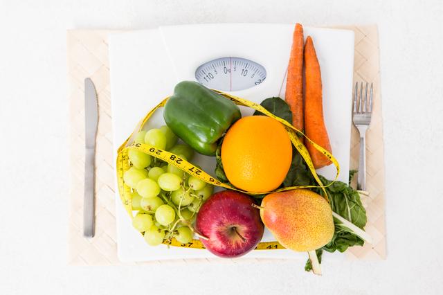 野菜と体重計