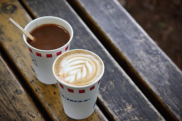 カフェラテとコーヒー